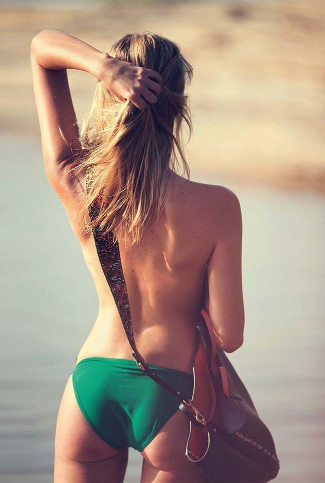 Марло Хорст кидает кости на пляже: две сиськи идут уже в базовой комплектации! Marie Claire Italy Magazine (июнь 2016): marloes-horst-18_Starbeat.ru