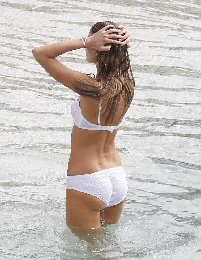Бикини-фотосессия Марины Линчук на острове Сен-Бартелеми: maryna-linchuk-37_Starbeat.ru