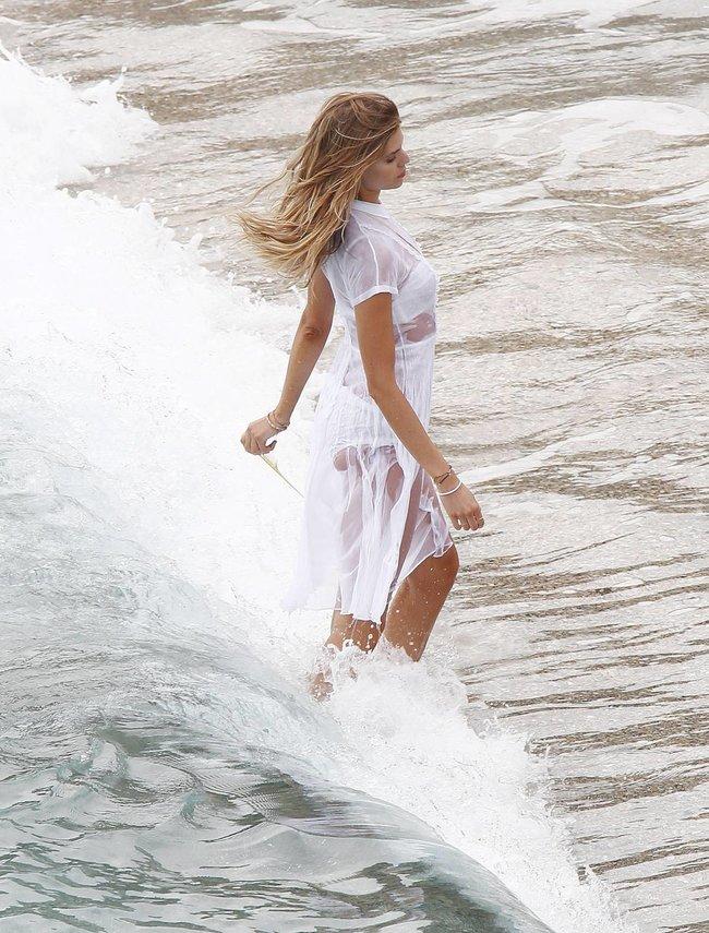 Бикини-фотосессия Марины Линчук на острове Сен-Бартелеми: maryna-linchuk-9_Starbeat.ru