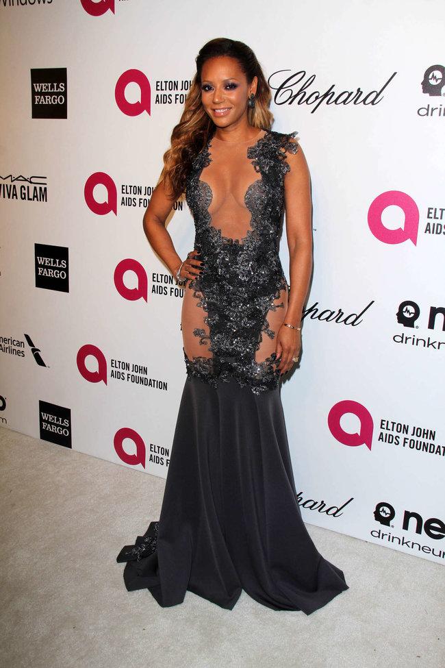 Мелани Браун на вечеринке Элтона Джона «AIDS Foundation Academy Awards»: melanie-brown-oscar-2014---vanity-fair-party--03_Starbeat.ru