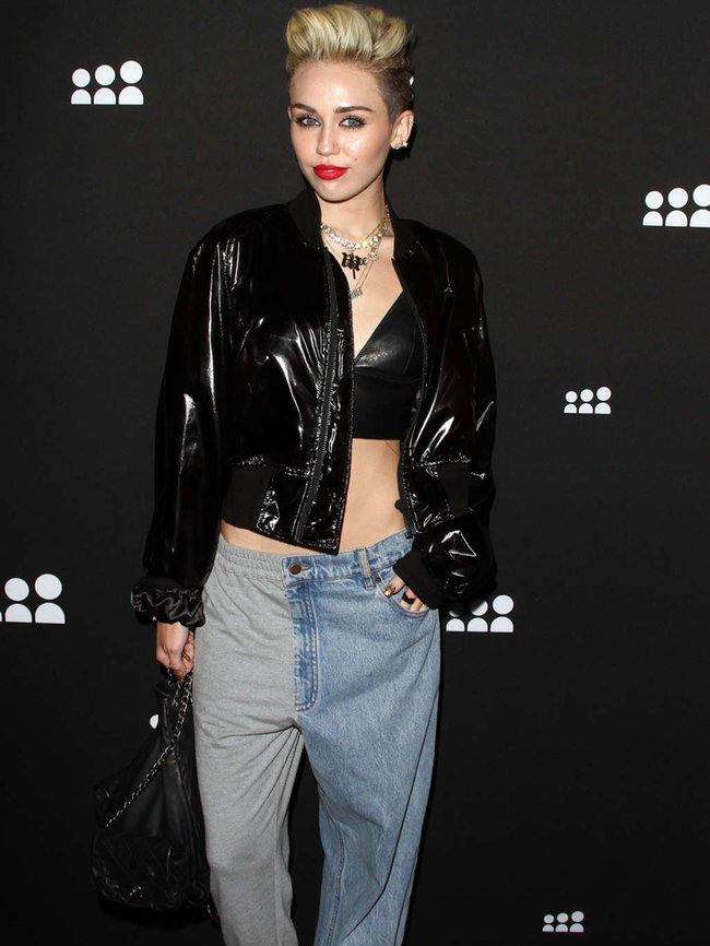 Майли Сайрус на вечеринке «Myspace» в Лос-Анджелесе: miley-cyrus-at-myspace-launch-event-in-la-adds-11_Starbeat.ru