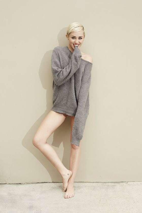 Майли Сайрус: певица продемонстрировала свою обнаженную грудь (фотограф: Brian Bowen Smith): miley-cyrus-brian-bowen-smith-photoshoot--10_Starbeat.ru