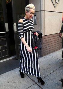 Майли Сайрус в Нью Йорке: Miley-Cyrus-110_Starbeat.ru