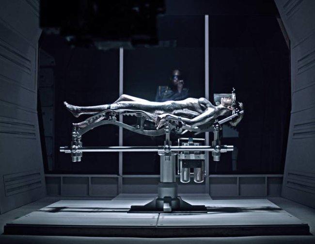 Майли Сайрус: фото с процесса съемок клипа «Real and True»: miley-cyrus-411_Starbeat.ru