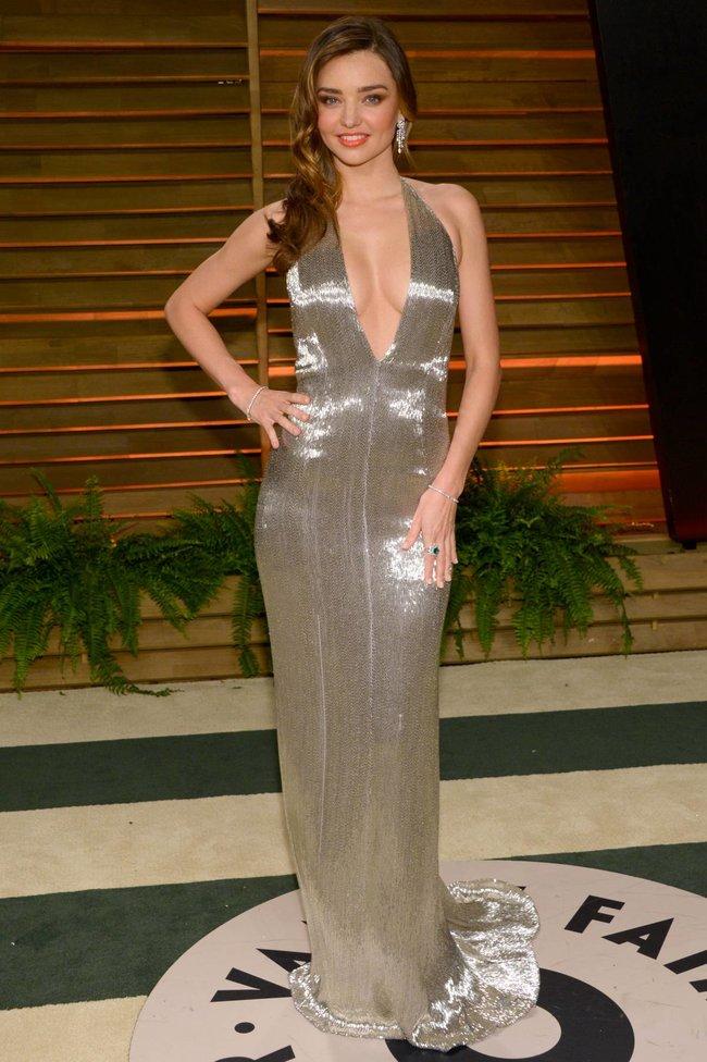Миранда Керр в Голливуде: красная дорожка вечера «Vanity Fair»: miranda-kerr-14_Starbeat.ru