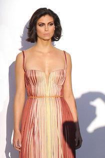 Морена Баккарин в фотосессии для журнала «Vanity Fair»: Morena-Baccarin---Vanity-Fair-photoshoot--01_Starbeat.ru