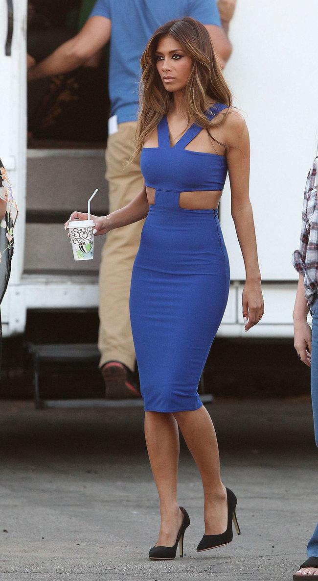 Николь Шерзингер в Калифорнии: съемки фотосессии: nicole-scherzinger-bikini-photos-photoshoot-in-sunland--31_Starbeat.ru