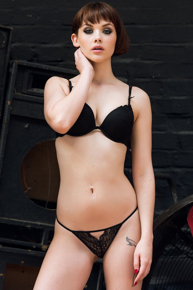 Разнокалиберные бубсы: подборка всяких женщин: mellisa-clarke-1-1_Starbeat.ru
