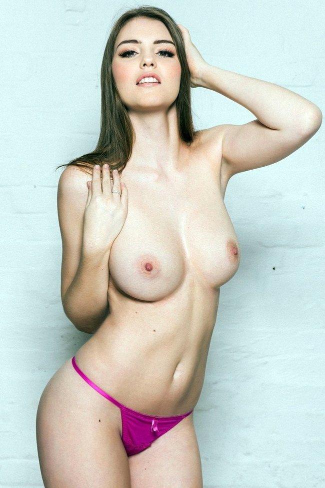 Разнокалиберные бубсы: подборка всяких женщин: rosie-danvers-2_Starbeat.ru