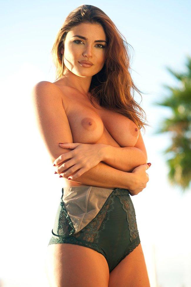 Холли Пирс и другие модели в топлес фотосессии: holly-peers-11-1_Starbeat.ru