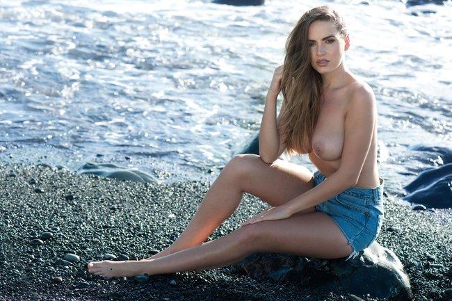 Холли Пирс и другие модели в топлес фотосессии: sabine-jemeljanova-3-1_Starbeat.ru