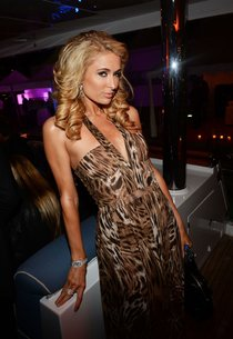 Пэрис Хилтон на афтепати Каннского кинофестиваля 2013: paris-hilton-attends-the-seduced-and-abandoned-after-party-in-cannes-01_Starbeat.ru