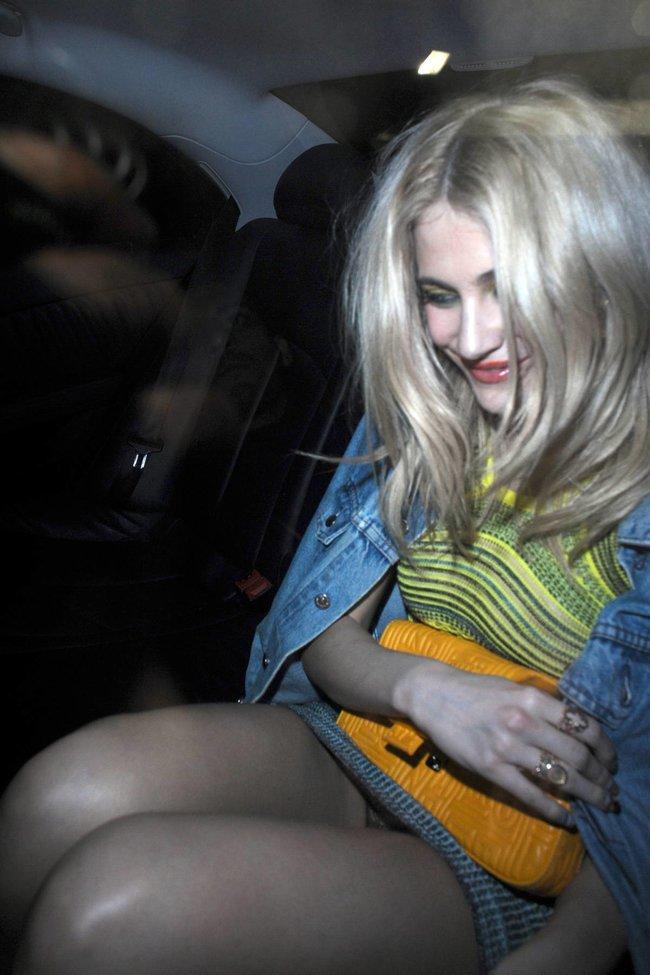 Пикси Лотт: в объективах папарацци в Лондоне: pixie-lott-83_Starbeat.ru