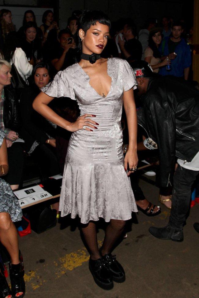 Рианна на Неделе Моды в Нью-Йорке: rihanna-141_Starbeat.ru