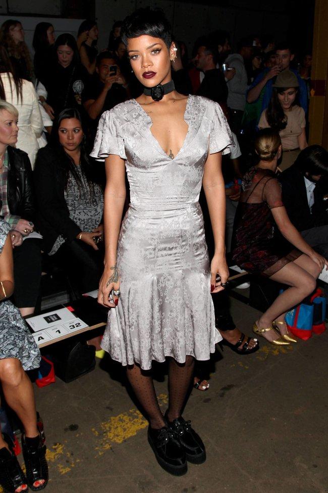 Рианна на Неделе Моды в Нью-Йорке: rihanna-16_Starbeat.ru
