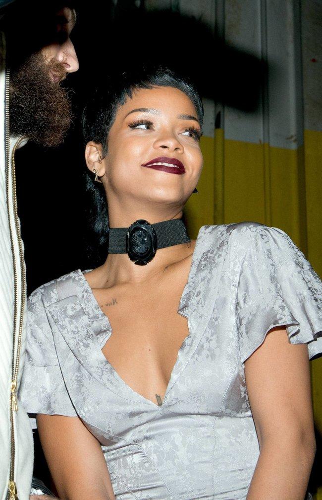 Рианна на Неделе Моды в Нью-Йорке: rihanna-51_Starbeat.ru