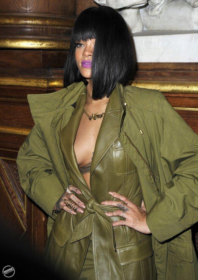 Рианна побывала на модном показе «Balmain» в Париже: rihanna11_Starbeat.ru