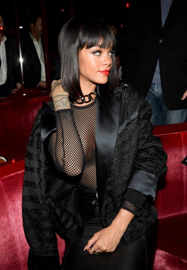 Рианна в просвечивающем наряде: афтепати модного показа «Balmain»: rihanna-103_Starbeat.ru