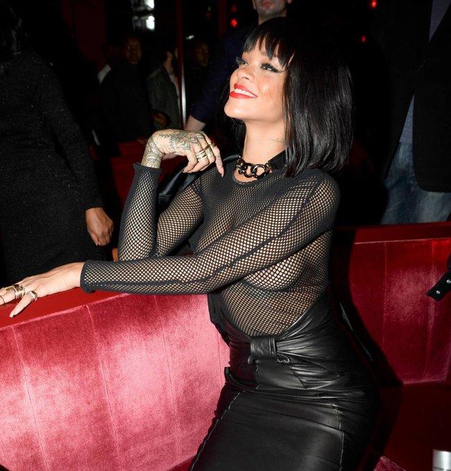 Рианна в просвечивающем наряде: афтепати модного показа «Balmain»: rihanna-56_Starbeat.ru