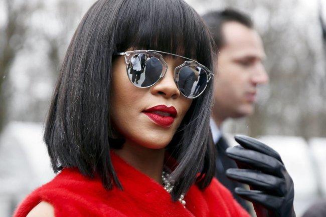 Модный показ «Christian Dior» в Париже посетила Рианна: rihanna-13_Starbeat.ru