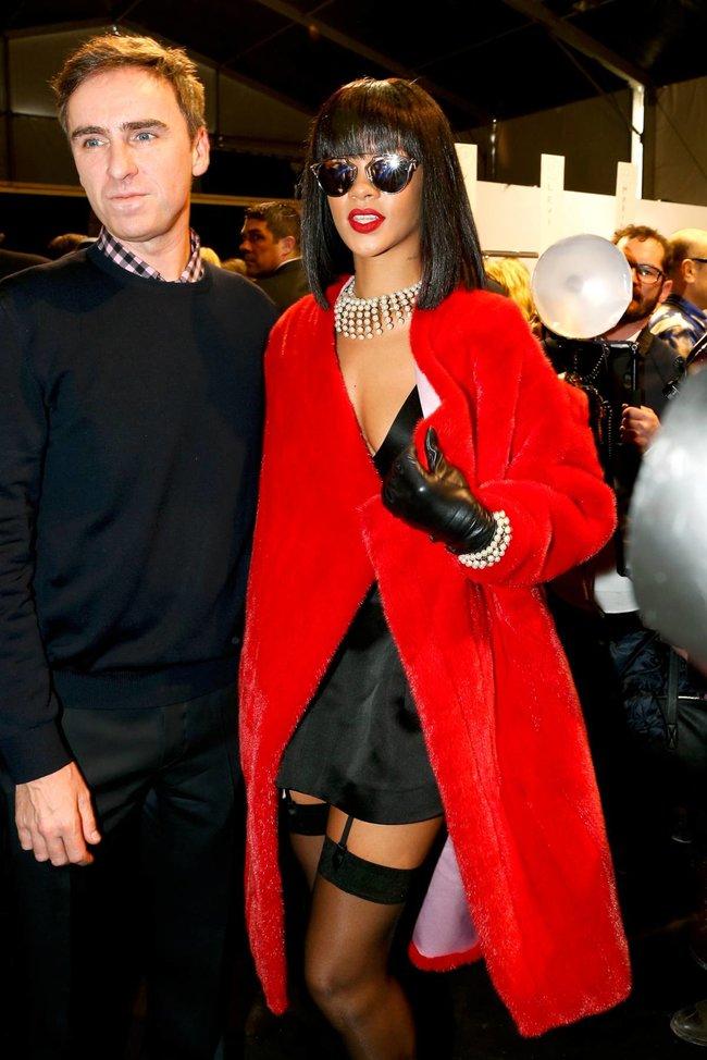 Модный показ «Christian Dior» в Париже посетила Рианна: rihanna-15_Starbeat.ru