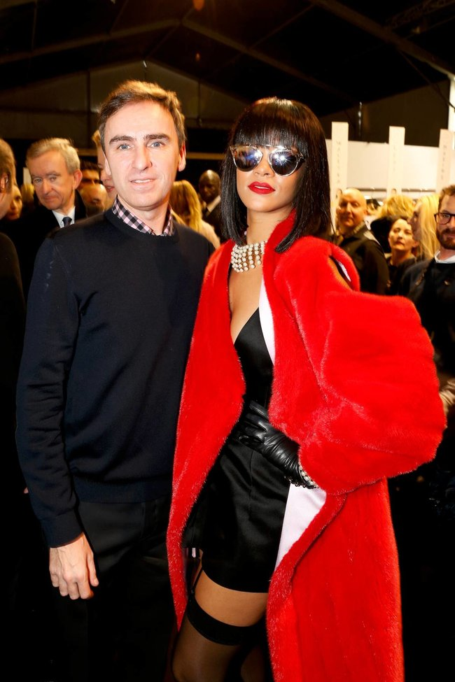 Модный показ «Christian Dior» в Париже посетила Рианна: rihanna-22_Starbeat.ru