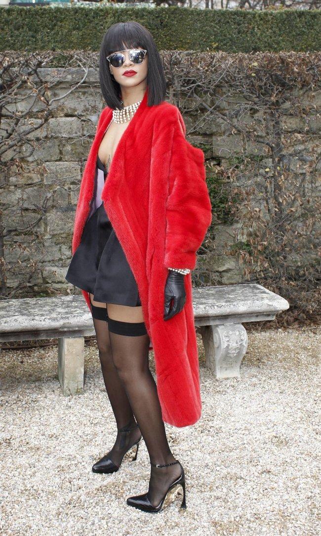 Модный показ «Christian Dior» в Париже посетила Рианна