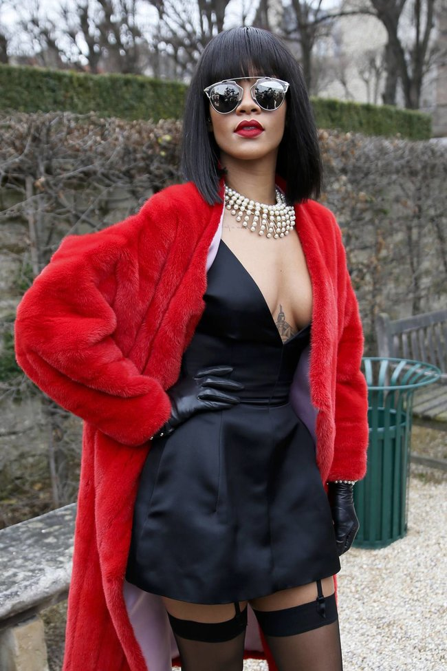Модный показ «Christian Dior» в Париже посетила Рианна: rihanna-7_Starbeat.ru