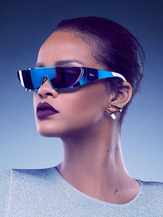 Рианна, нам надо продать больше очёчей! Фото для Christian Dior: rihanna-5-1_Starbeat.ru