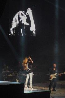 «Diamonds World Tour» Рианны: первые кадры: rihanna-16_Starbeat.ru