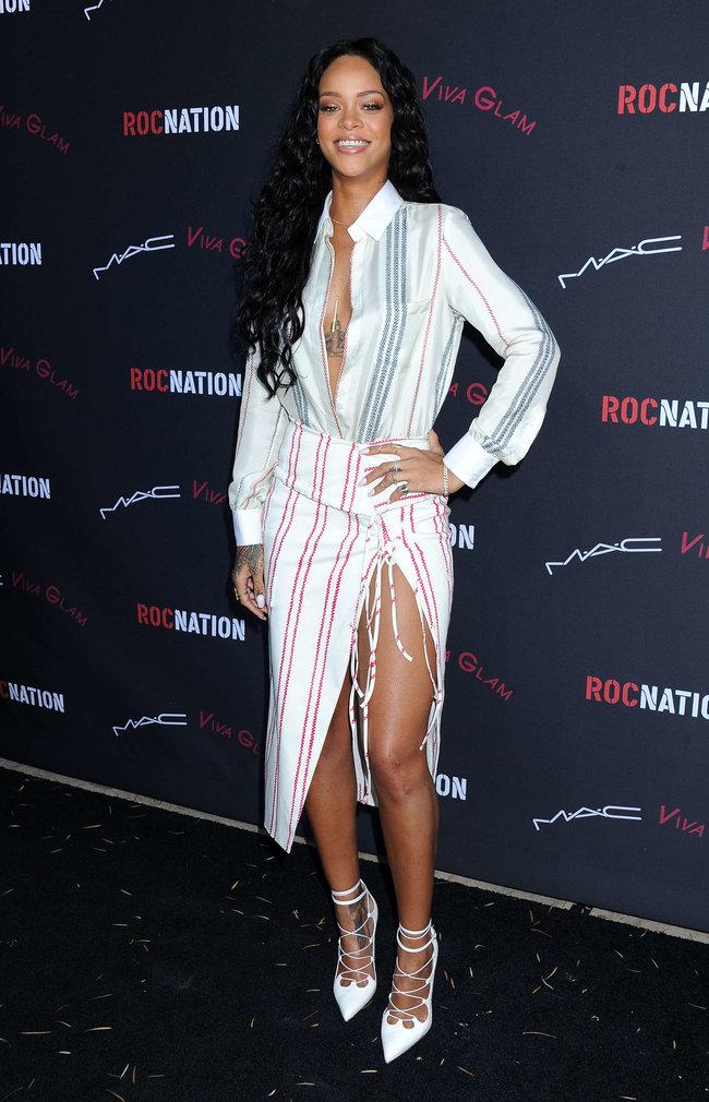 Рианна на званом ужине «Roc Nation»: в преддверии «Грэмми 2014»: rihanna-pictures-2014-pre-grammy-brunch---roc-nation--10_Starbeat.ru