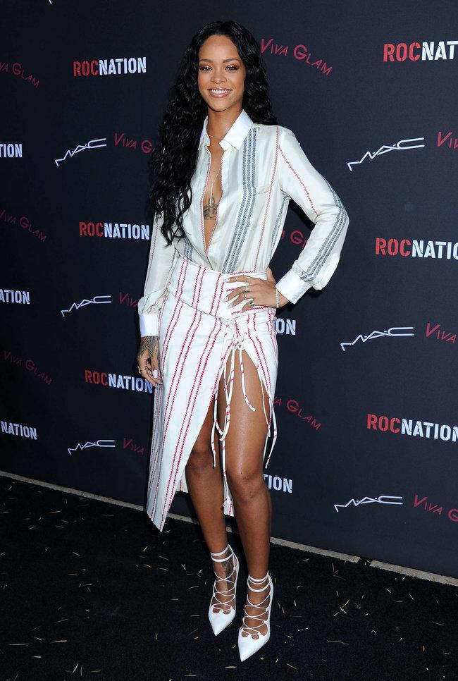 Рианна на званом ужине «Roc Nation»: в преддверии «Грэмми 2014»: rihanna-pictures-2014-pre-grammy-brunch---roc-nation--14_Starbeat.ru