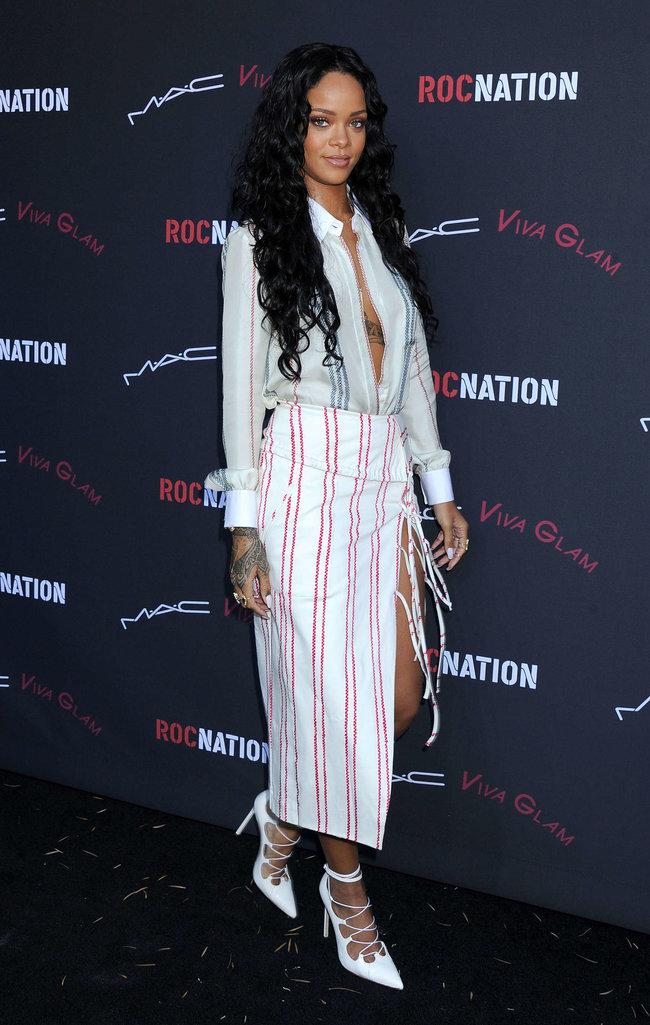 Рианна на званом ужине «Roc Nation»: в преддверии «Грэмми 2014»: rihanna-pictures-2014-pre-grammy-brunch---roc-nation--27_Starbeat.ru