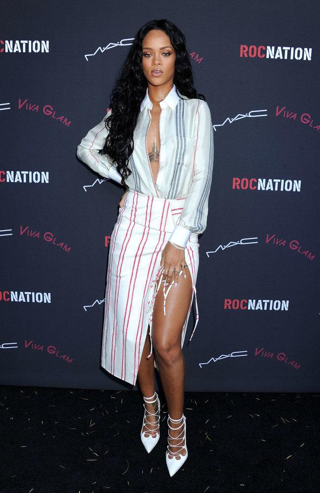 Рианна на званом ужине «Roc Nation»: в преддверии «Грэмми 2014»: rihanna-pictures-2014-pre-grammy-brunch---roc-nation--35_Starbeat.ru