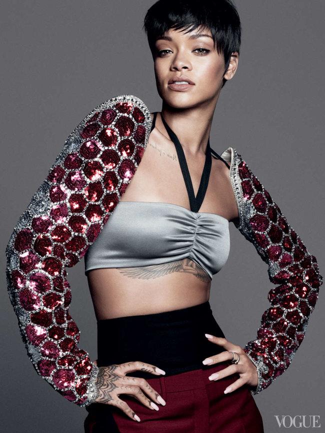 Блистательная Рианна украсила обложку «Vogue US» в марте: rihanna-vogue-us--01_Starbeat.ru