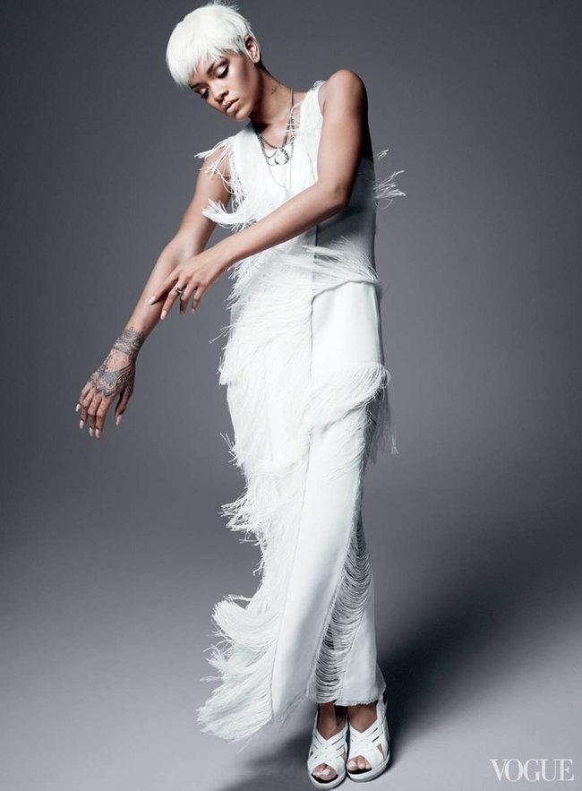 Блистательная Рианна украсила обложку «Vogue US» в марте: rihanna-vogue-us--04_Starbeat.ru