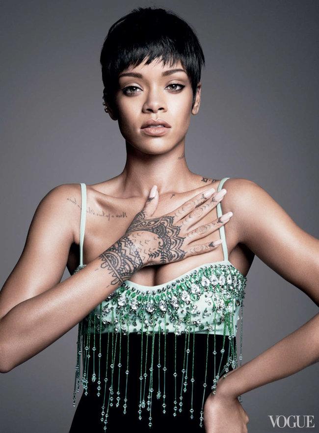 Блистательная Рианна украсила обложку «Vogue US» в марте: rihanna-vogue-us--10_Starbeat.ru