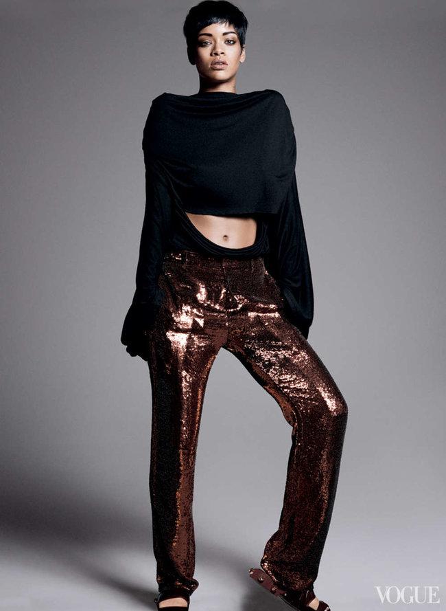 Блистательная Рианна украсила обложку «Vogue US» в марте: rihanna-vogue-us--11_Starbeat.ru