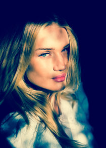 Роузи Хантингтон-Уайтли: фотосессия «Coveteur 2014»: rosie-huntington-whiteley-coveteur-2014-photoshoot--16_Starbeat.ru