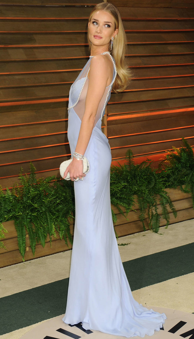 Пост-оскаровская вечеринка «Vanity Fair»: Роузи Хантингтон-Уайтли: rosie-huntington-whiteley-oscar-2014---vanity-fair-party--05_Starbeat.ru