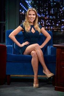 Телешоу «Late Night with Jimmy Fallon» в Нью-Йорке со Скарлетт Йоханссон: scarlett-johansson-73_Starbeat.ru