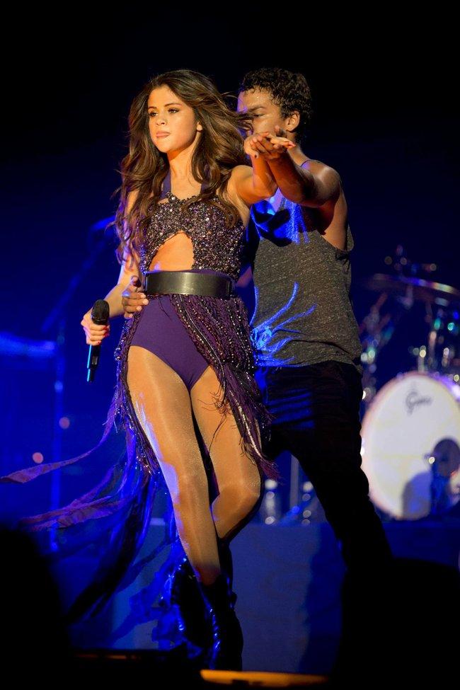 Выступление Селены Гомес на «State Farm Arena» в городе Идальго