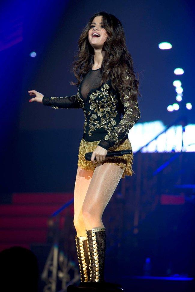Выступление Селены Гомес на «State Farm Arena» в городе Идальго: selena-gomez-231_Starbeat.ru