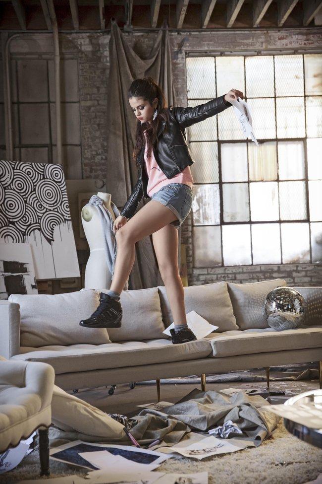 Селена Гомес в промо-фотосессии для марки «Adidas NEO»: selena-gomez-31_Starbeat.ru