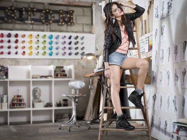 Селена Гомес в промо-фотосессии для марки «Adidas NEO»: selena-gomez-51_Starbeat.ru