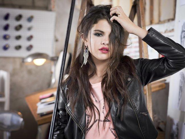 Селена Гомес в промо-фотосессии для марки «Adidas NEO»: selena-gomez-81_Starbeat.ru