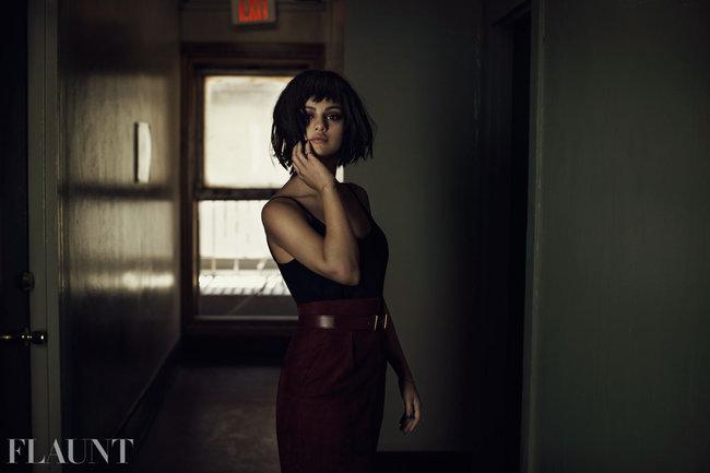 Фотосессия Селены Гомес для журнала «Flaunt»: selena-gomez-flaunt-magazine-2013--07_Starbeat.ru