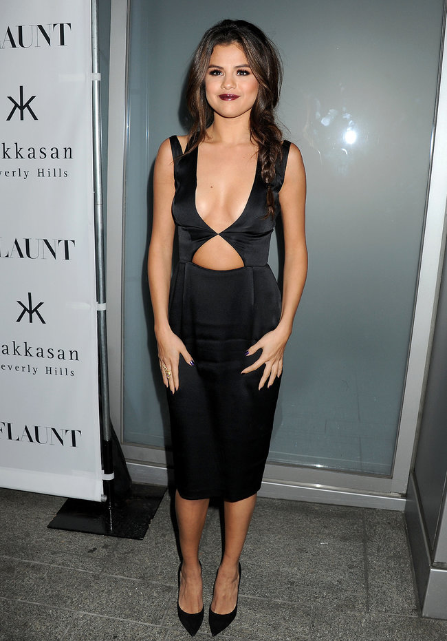 Селена Гомес: вечеринка журнала «Flaunt» в Беверли-Хиллз: selena-gomez-flaunt-magazine-cover-party--16_Starbeat.ru