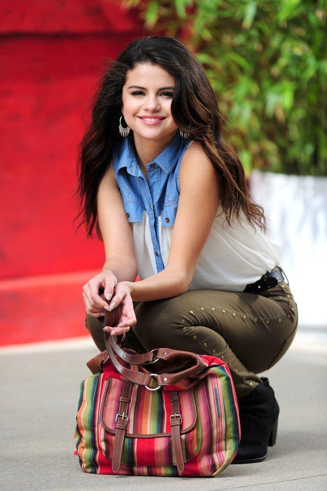 Селена Гомес на съемках рекламной фотосессии «Dream Out Loud», Санта-Моника: selena-gomez-20_Starbeat.ru