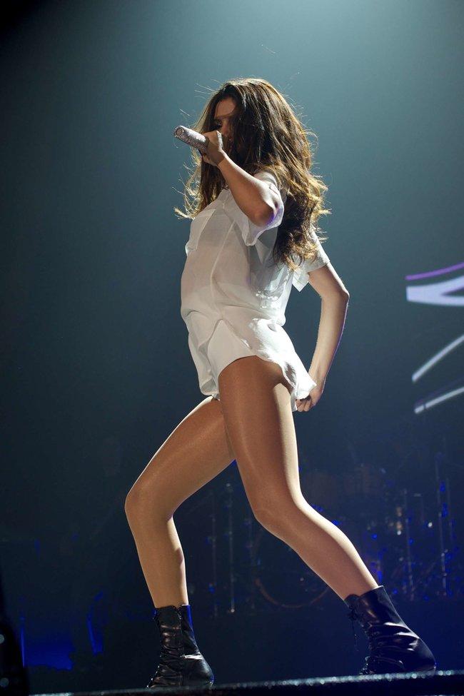 Мировое турне Селены Гомес «Stars Dance»: выступление в Испании: selena-gomez-hot-concert-photos-stars-dance-tour-in-spain--04_Starbeat.ru